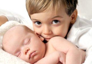 nascita del fratellino e pipì addosso