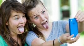 Preadolescenti, smartphone e social: accompagnamoli insieme