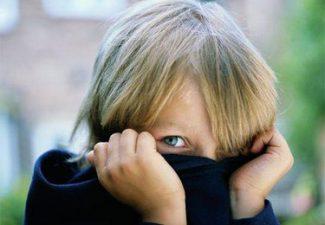 Un bambino ansioso