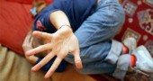 Alzare le mani sui bambini: riflessioni sparse