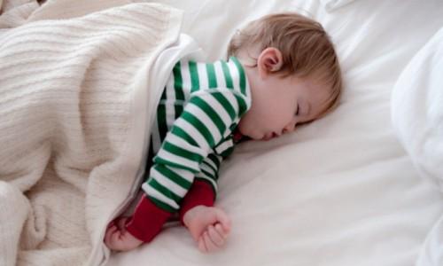 Risultati immagini per foto bimbi che dormono